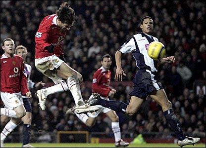 Ruud van Nistelrooy scores Manchester United's third