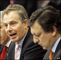 UK Prime Minister Tony Blair (left) and European Commission President Jose Manuel Barroso at Brussels summit