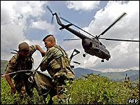 Soldados colombianos durante una operación contra las FARC