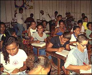 Escuela en el campamento