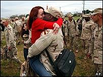 Recibimiento de soldados en Fort Hood.