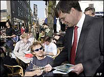 Netherlands PM Jan Peter Balkenende handing out pro-EU treaty leaflets in The Hague
