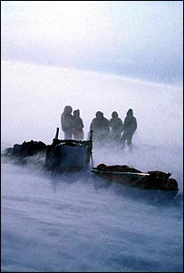 Expedition team in bad conditions (picture courtesy of Glenn Morris)