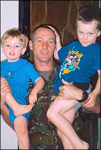 Sgt Les Hehir and his children