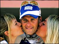 Alessandro Petacchi is congratulated after winning the 12 stage on Friday