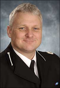 Chief Superintendent Kevin Lambert is made MBE
