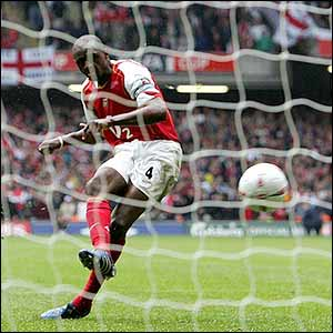 Patrick Vieira scores the winning penalty
