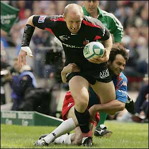 Gareth Thomas almost scores the first try of the match but Toulouse still end up scoring