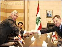 UK Foreign Secretary Jack Straw shakes hands with Lebanese PM Fouad Siniora