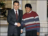 José Luis Rodríguez Zapatero (izq.) y Evo Morales
