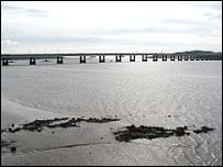 Tay Road Bridge (picture by Undiscovered Scotland)