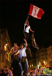 Hinchas del Liverpool en Estambul, Turqu�a.