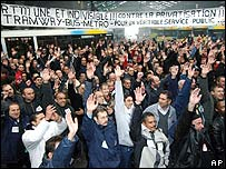 Striking bus drivers in November 2005