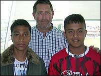 Syed Ali, Graham Gooch, Emrul Islam
