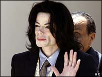 Michael Jackson outside Santa Maria court house