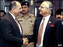 Pakistani Defence Secretary Tariq Waseem Ghazi (left) with his Indian counterpart Ajai Vikram Singh (right).