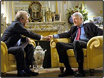 Sir David Frost interviewing Bill Clinton