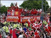 La ciudad de Liverpool vibr� con los actuales campeones de Europa.