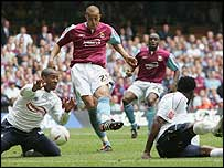 Bobby Zamora scores West Ham's goal