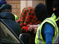 Guardia Civil arrest suspected Jihad recruiter near Barcelona, 10 Jan 06