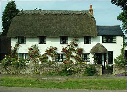 http://newsimg.bbc.co.uk/media/images/41202000/jpg/_41202224_cottage_stein416.jpg