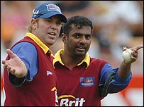 Shane Warne and Muttiah Muralitharan at a fund-raising match for tsunami victims in New Zealand last year