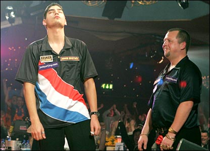 Jelle Klaasen shows his relief after his win over King