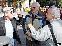 Personas discutiendo en Espa�a