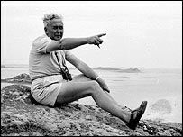 Harold Wilson visiting the Scilly Isles in 1965