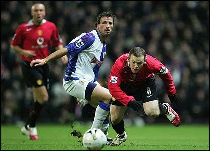 Wayne Rooney stumbles