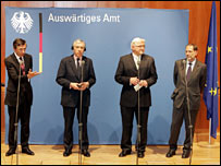 French Foreign Minister Philippe Douste-Blazy (l), German Foreign Minister Frank-Walter Steinmeier (2nd l), UK Foreign Secretary Jack Straw (2nd r) and EU Foreign Policy Chief Javier Solana