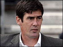 Luton manager Mike Newell
