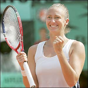 Mary Pierce celebrates victory