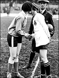 Dick, Kerr's captain misses her French counterpart in a match played at Herne Hill on 12 May 1925 in aid of shipwrecked mariners