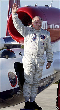 Steve Fossett at Cape Canaveral on 12 January, AFP