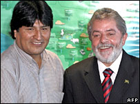 Evo Morales is welcomed by Brazil's President Luiz Inacio Lula da Silva