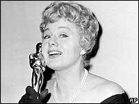 Shelley Winters holding Oscar