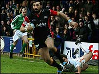 Sebastien Chabal powers over for Sale's first try