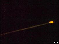 Capsule streaks across the sky (AFP)