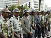 Zimbabwe riot police (archive picture)