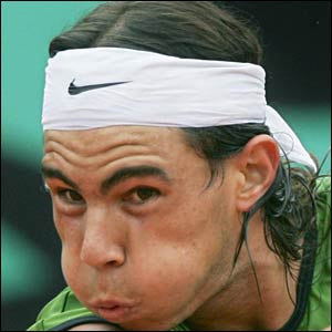 Rafael Nadal takes the second set to level the final