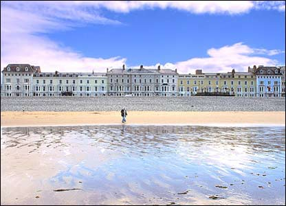 Andy Monk took this picture of the front at Llandudno