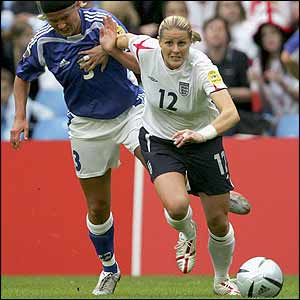 Kelly Smith battles with Jessica Julin of Finland