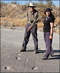 Aubrey Manning (L) and Silvia Gonzalez (R)