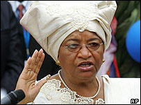 Ellen Johnson-Sirleaf being sworn in as President