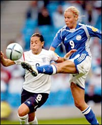 Laura Kalmari scores for Finland