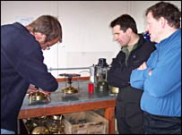 David land Tony learn how to use a stove (BBC)