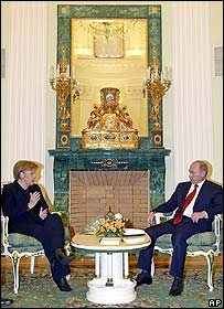 Chancellor Angela Merkel with Russian President Vladimir Putin