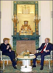 Chancellor Angela Merkel with Russian President Vladimir Putin
