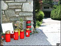 Candles left at the house in Graz